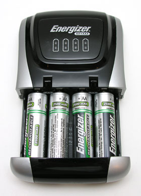 energizer rechargeable compact charger review the gadgeteer. Black Bedroom Furniture Sets. Home Design Ideas