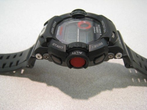 The red button activates the altimeter mode.
