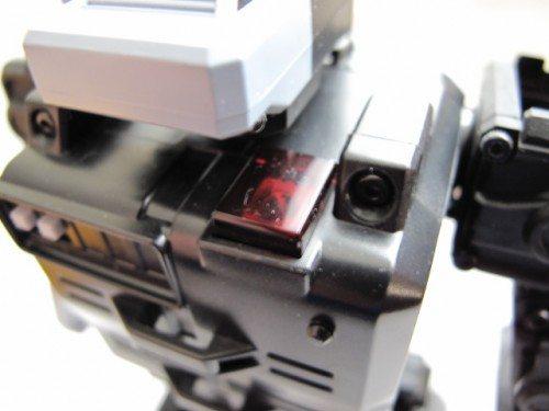 isobot-shoulder