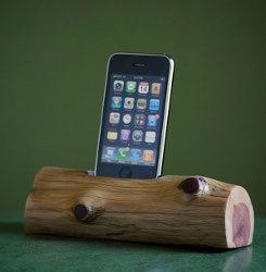 wooden-iphone-dock
