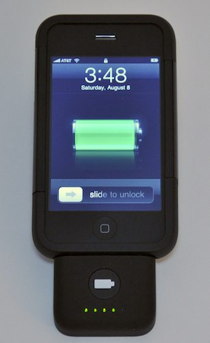 Battery pack charging the iPhone 3G