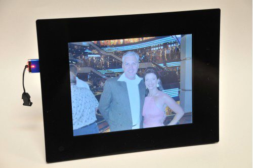 NIX TS08C Digital Cordless Picture Frame Review – The Gadgeteer