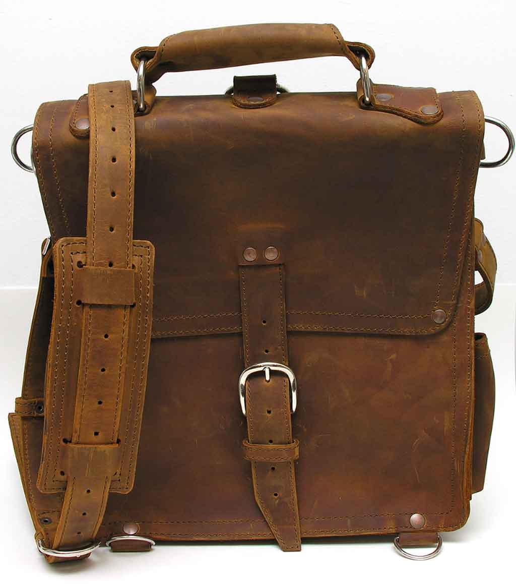 Saddleback Leather Company Messenger Bag Review - The ... Saddleback Leather