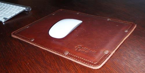 saddleback mousepad withmouse