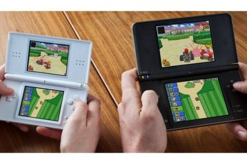 nintendo dsi xl coming soon the gadgeteer. Black Bedroom Furniture Sets. Home Design Ideas