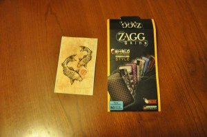 The ZAGGskin comes in a simple cardboard envelope with the foam sheet of artwork enclosed.