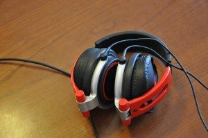The iFrogz CS40 Comfort Series headphones