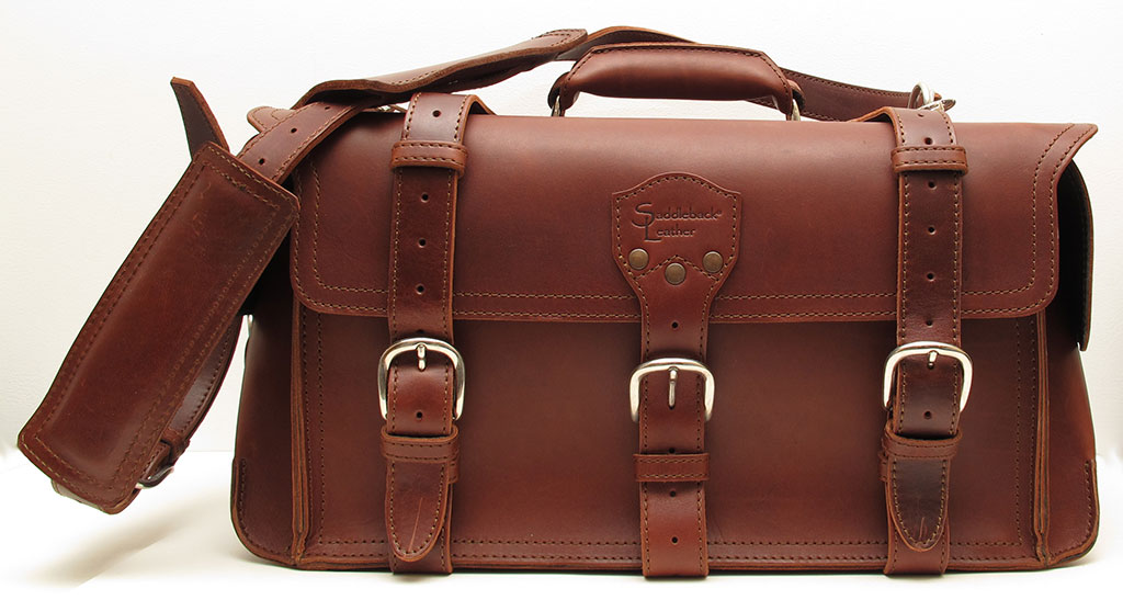 a4917f906f Saddleback Leather Duffel   Overnight Leather Bag Review – The Gadgeteer