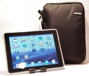 incase-travel-kit-plus-ipad-review-1