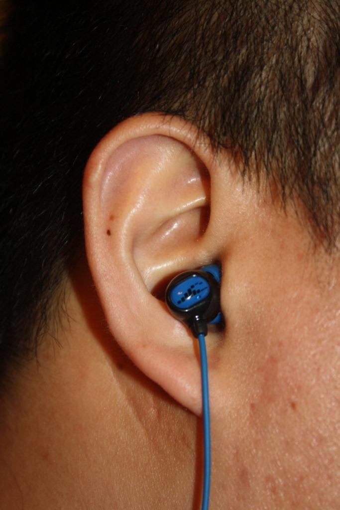 H2O-Surge-Headphones-8