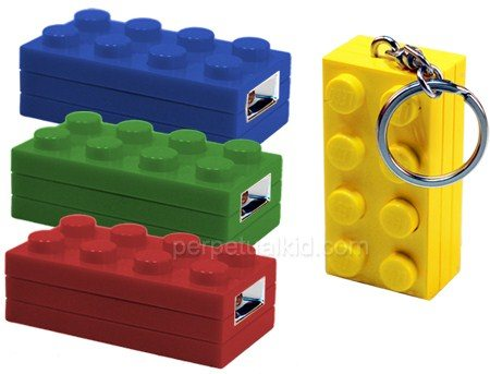perpetual kid LEGO keychain light