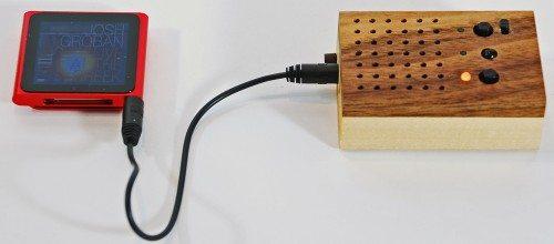 pyramid distribution motz tiny wooden power speaker 9