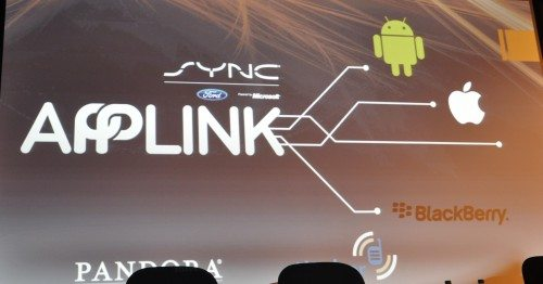 Linking your devices to your vehicle through Applink