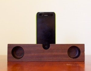 etsy_iphone_woodspeaker