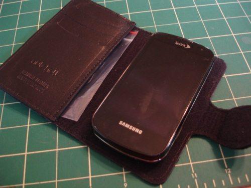 Nutshell Smartphone Wallet 1