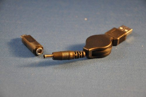 TekCharge's retractable cable comes with two interchangeable tips - one of which I lost within days of getting the unit.
