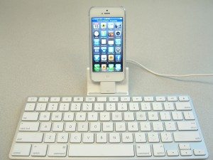 iPhone5-with-ipad-keyboard-01