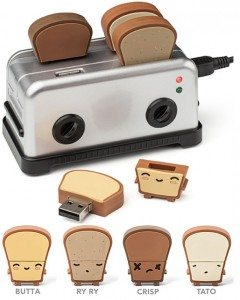 thinkgeek-usb-toast-usb-hub-and-thumb-drives