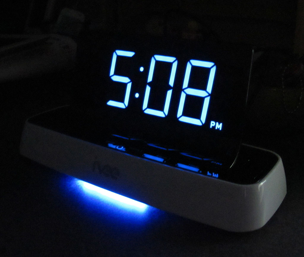 Radio Clock That Doesn T Light Up The Room