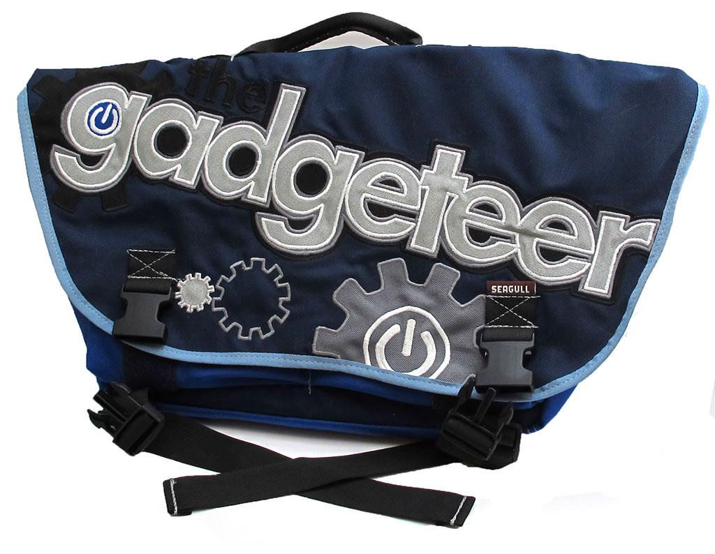 Messenger bags are my favorite style of gear bag. I have enjoyed carrying a  Timbuk2 Laptop messenger bag for years. Even though I love it 1a40001521af2
