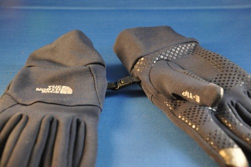 Nice extra: The eTip driving gloves can be clipped together so that you can keep up with them (or lose them!) as a complete set!