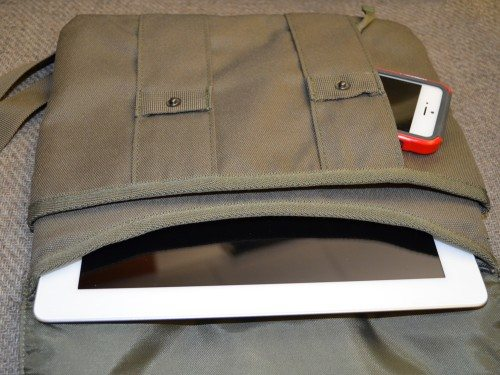 stm-cache-ipad-bag-7