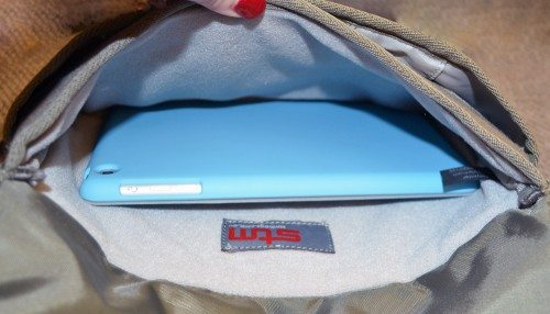 stm-cache-ipad-bag-8