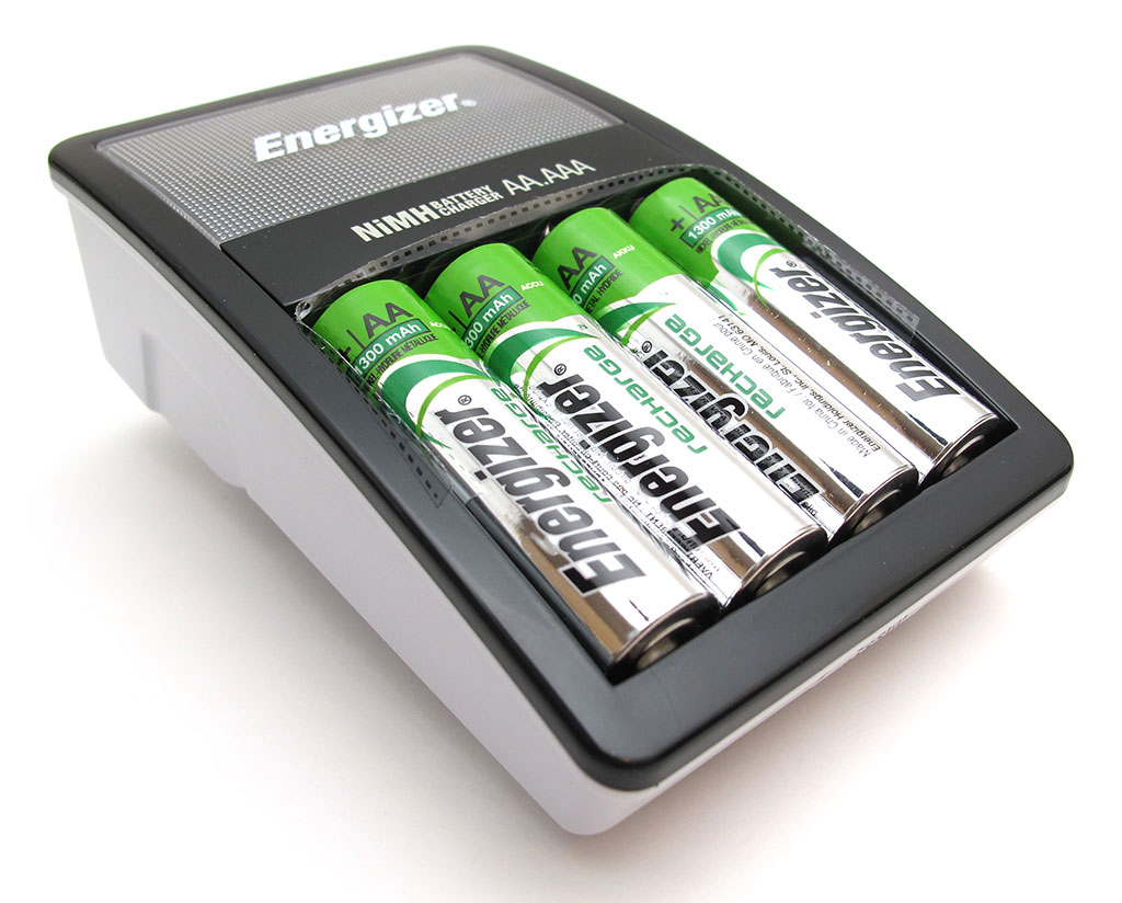 energizer recharge value aa aaa nimh battery charger review the gadgeteer. Black Bedroom Furniture Sets. Home Design Ideas