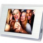 digital-photo-frame-fridge-magnet