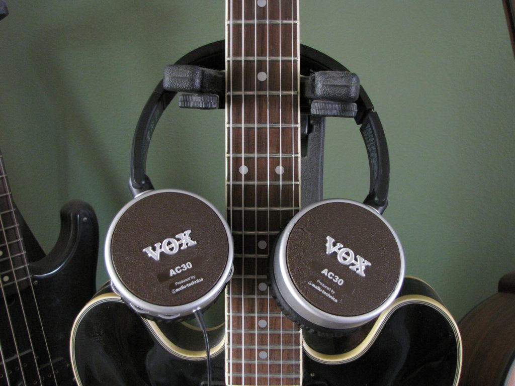 vox amphones ac30 headphones review the gadgeteer. Black Bedroom Furniture Sets. Home Design Ideas