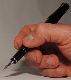 namiki_falcon_pen-inhand2