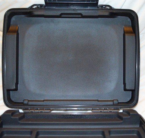 pelican-i1075-ipad-case-6