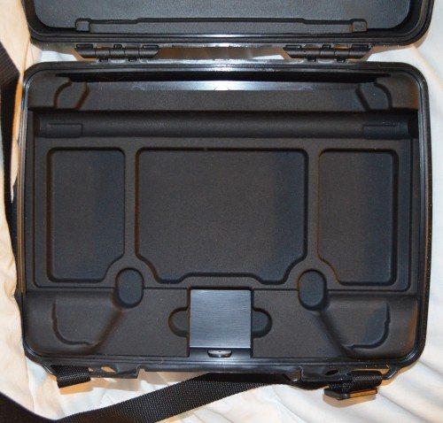 pelican-i1075-ipad-case-7