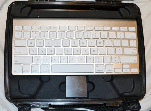 pelican-i1075-ipad-case-8
