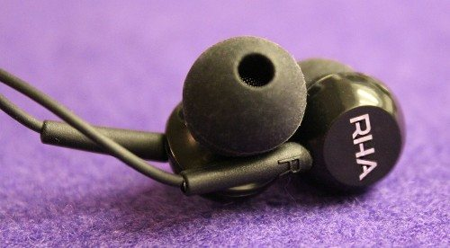 RHA_MA150_Earphone_2
