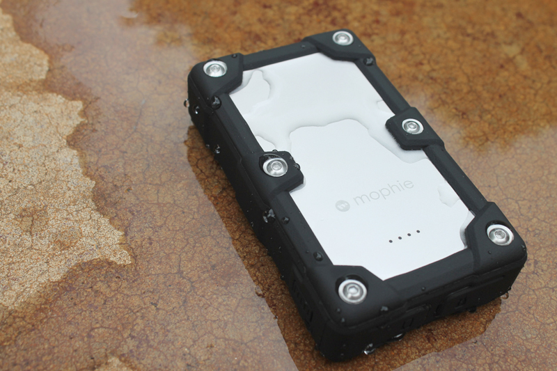 new product 0e765 08bcc Mophie Juice Pack Universal Powerstation Pro review – The Gadgeteer