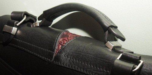 oberon-leathermessenger-handle