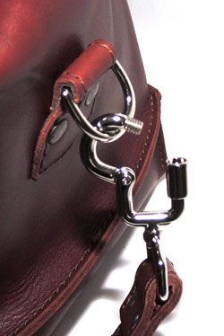 saddlebackleather_drybag-lockinghook_sm