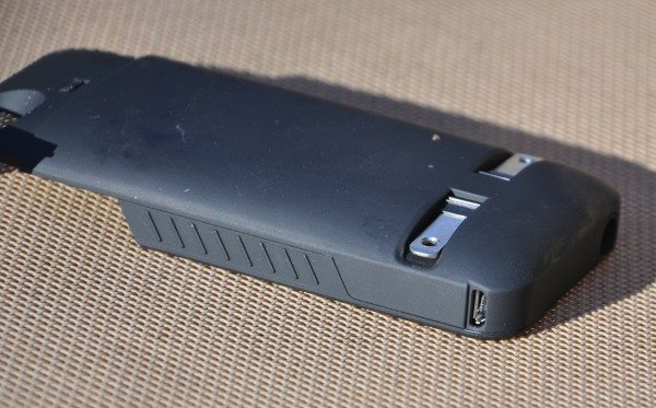 Rear of Prong PowerPlug with prongs folded down. Note the pass-through port for microUSB, which allows in-case syncing.