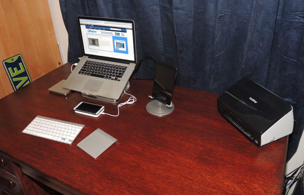 desk_side