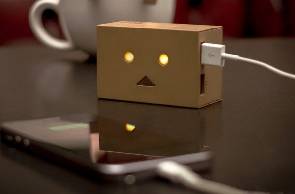 robot-head-charger-2