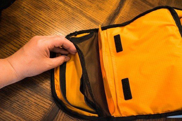 24) Inner pockets