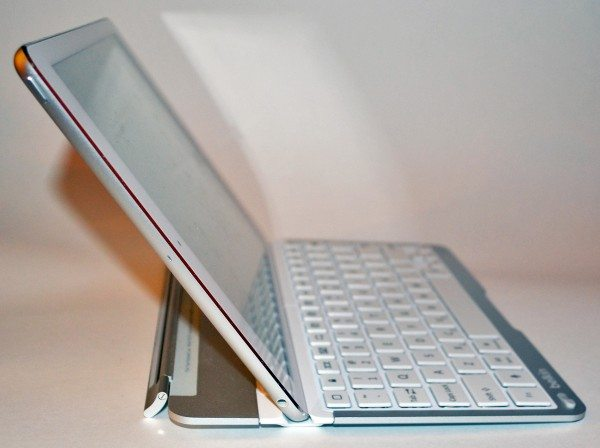 belkin-qode-thin-type-keyboard-case-ipad-air-10