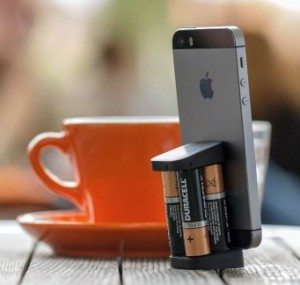 oivo-charger-on-the-go-iphone-2