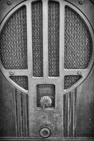 1409020 Radio