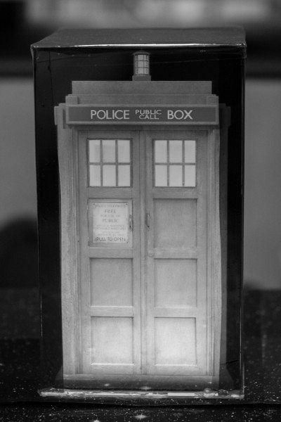 1409020 Tardis In A Box