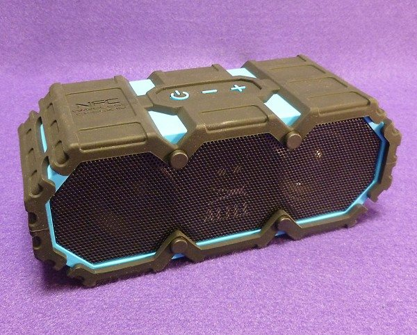 Altec_Lansing_Lifejacket_1