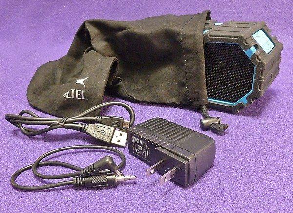 Altec_Lansing_Lifejacket_6