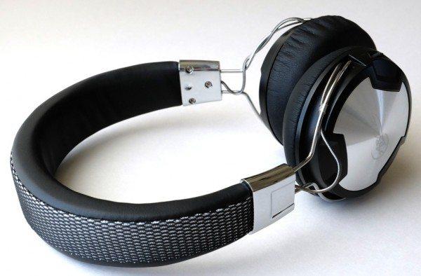 Arctic-P614BTheadphones-3