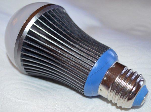 saffron-drift-light-bulb-3